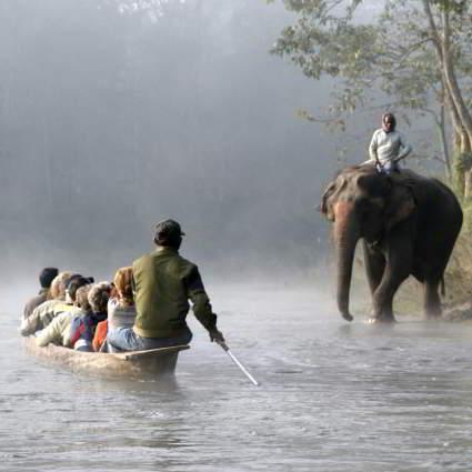 przeprawa w chitwan w nepalu