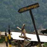 drogowskaz-szlak-trekkingowy-w-nepalu