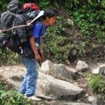 nepal-tragarz-w-himalajach