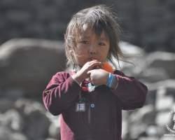 dziecko-w-nepalu