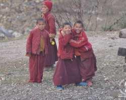 lho-klasztor-młodych-mnichów