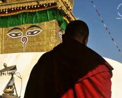swayambunath-nepal-mnich-buddyjski